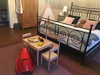 Ložnice 1. - 25 m2 - chalupa k pronájmu Krásná Lípa - Dlouhý Důl