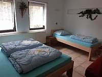 ložnice 1 v přízemí - Kyjov u Krásné Lípy