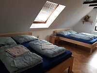 ložnice 2 v podkroví - pronájem chalupy Kyjov u Krásné Lípy