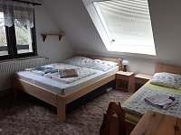 ložnice 4 v podkroví - chalupa k pronajmutí Kyjov u Krásné Lípy