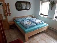 ložnice v přízemí - Kyjov u Krásné Lípy