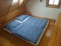 2.ložnice v 1.patre - chalupa k pronájmu Jiřetín pod Jedlovou - Rozhled