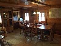obývací pokoj s jídelním koutem - chalupa k pronajmutí Jiřetín pod Jedlovou - Rozhled