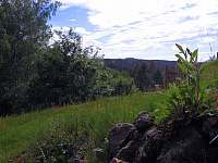 Výhled ze zahrady - Mezná