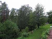 Zahrada - chalupa k pronajmutí Mezná