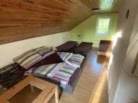 loznice - manzelska postel a 3 jednoluzka - chata k pronajmutí Nové Hraběcí