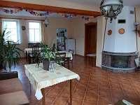 společenská místnost - apartmán k pronajmutí Mikulášovice