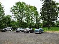 parkoviště v areálu - Chřibská - Krásné Pole