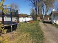 Zahrada-dětský venkovní koutek - apartmán k pronajmutí Chřibská - Krásné Pole