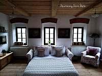 Apartmán v patře - rozkládací pohovka v obývacím pokoji - Krásná Lípa