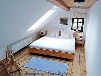 Podkrovní apartmán - ložnice č.2 - k pronajmutí Krásná Lípa