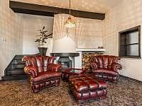 Obývací pokoj s krbem - Varnsdorf