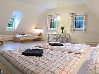 Ložnice apartmánu 1 - chalupa k pronájmu Dolní Chřibská