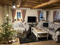 Obývací pokoj - chalupa k pronájmu Sněžník