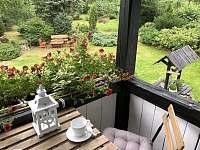 Relax na balkonku - chalupa k pronájmu Sněžník