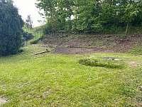 Chalupa a její zahrada - k pronajmutí Mikulášovice