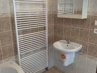 Koupelna a WC v přízemí - chalupa ubytování Mikulášovice