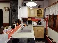 kuchyňka - chalupa k pronájmu Nové Hraběcí