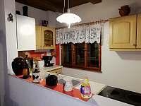 pohled do kuchyňky - Nové Hraběcí