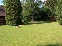 zahrada - chalupa ubytování Vsemily