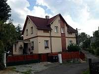 Chata k pronajmutí - okolí Hřenska