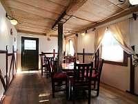Penzion a restaurace Vlčárna - ubytování Zahrady - 15