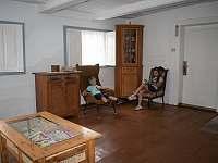 Obytná místnost - chalupa ubytování Doubice