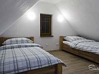 4 lůžkový apartmán 2 x postel jednolůžka v patře - k pronajmutí Kunratice - Studený