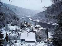 obec v zimě - chalupa k pronájmu Dolní Žleb