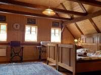 ložnice č. 1 - chalupa k pronájmu Jetřichovice