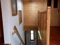 schodiště vrchní patro - pronájem chalupy Jetřichovice