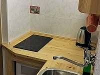 Apartmán - kuchyňka - chata k pronajmutí Jiřetín pod Jedlovou