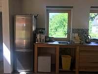 Lednička a kávovar - chalupa ubytování Krásná Lipa