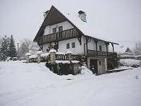 chalupa v zimě - Bukovina u Pecky