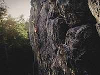 Skalní lezení v blízkosti ubytovny U Tlusťocha (pod Pantheonem) - chalupa k pronajmutí Malá Skála