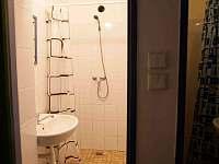 Sprchový kout - pronájem chalupy Malá Skála