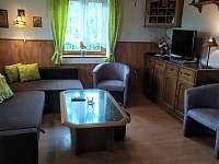 Obývací pokoj - chata ubytování Radim u Jičína