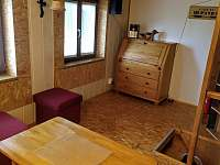Posezení v podkroví - pronájem chaty Radim u Jičína