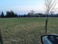 Fotbalové hřiště - pronájem chalupy Vyskeř