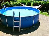 Bazén - chalupa k pronájmu Dolní Javoří