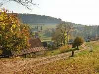Podzim v Javoří, příjezdová cesta k chaloupce