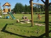 dětské hřiště - chata k pronajmutí Mašov