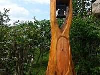 naše zvonička na naší zahradě