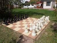 zahradní šachy 3 x3 m