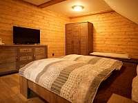 apartmán 2 podkroví pokoj 1 - Nová Paka