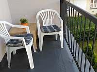 Balkony u apartmánů - Lázně Bělohrad