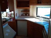 Kuchyňská linka - pronájem chaty Všeň