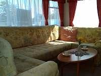 Obývací pokoj - chata k pronájmu Všeň