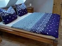 Apartmán 2 - Ložnice s manželskou postelí - pronájem Jičín
