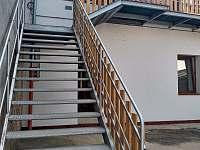 Přístup k apratmánům - apartmán ubytování Jičín